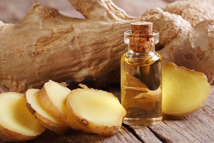 Präparat aus Ingwer und Olivenöl, um Schmerzen zu lindern