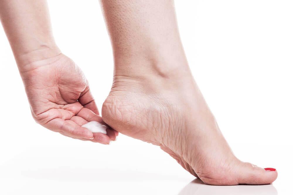 Raue Füße mit diesen Hausmitteln behandeln