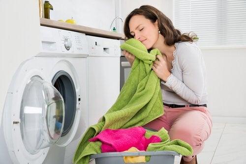 Wie wird man schlechten Geruch in den Handtüchern los?