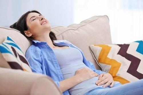 5 Anzeichen für eine Blinddarmentzündung