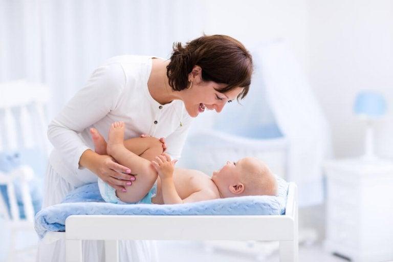 Was mache ich mit der Vorhaut meines männlichen Babys?