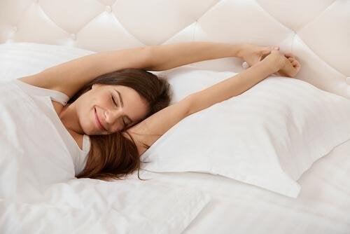 Genügend Schlaf ist wichtig für einen normalen Adrenalinspiegel