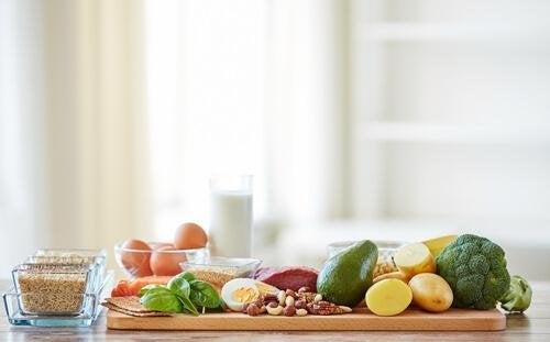 Eine ausgewogene und gesunde Ernährung ist hilfreich, um einen Herzinfarkt zu verhindern