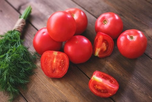frische Tomaten sind gesund und lecker