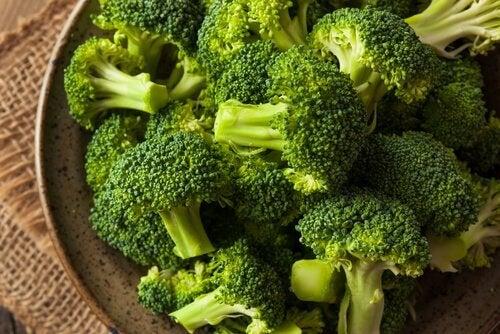 Lebensmittel mit wenig Kohlenhydraten: Brokkoli