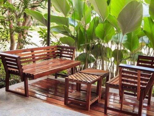 Die Behandlung von Holzmöbeln