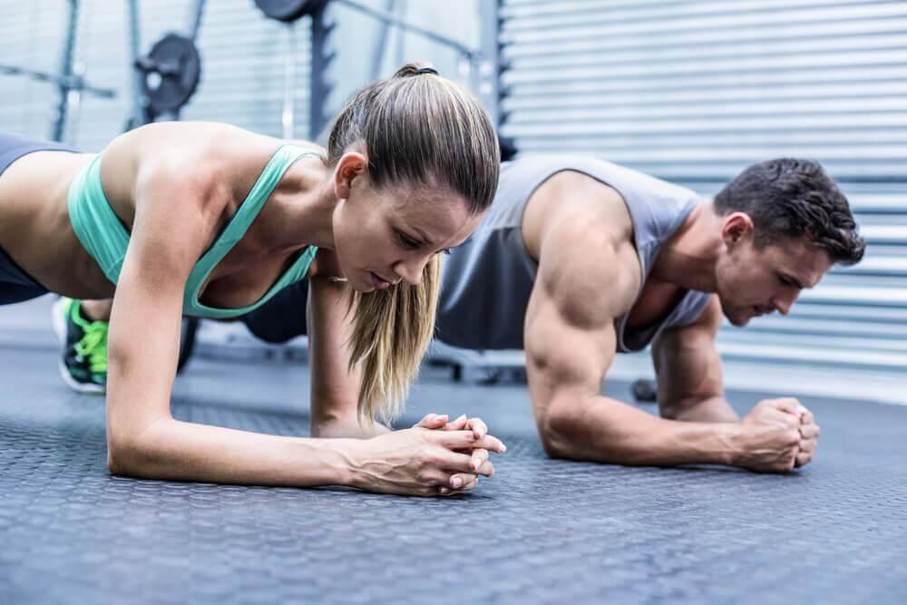 Was bewirkt zu viel Training für die Muskeln?