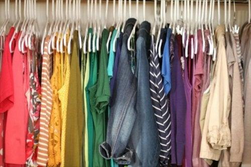 Bedeutung der Farben der Kleidung