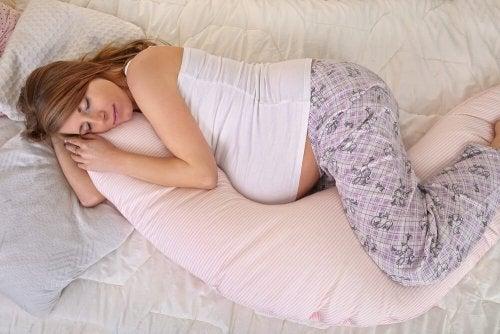 Müdigkeit in der Schwangerschaft bekämpfen