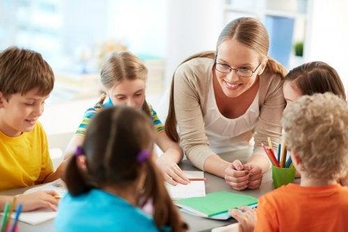 Gruppenarbeit an der Schule