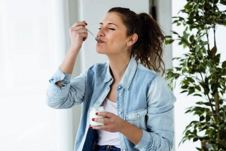Die Joghurt-Diät: eine gesunde Option zum Abnehmen