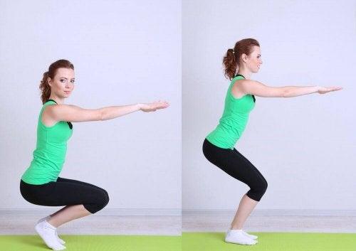 Kniebeuge ist eine Übung für gesunde Knochen