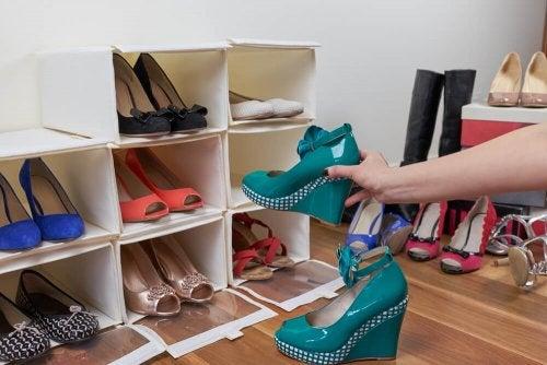 Schuhregal ganz einfach selber machen