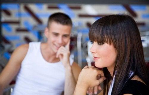 Flirt erkennen mann