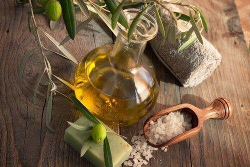 Pflanzenöl in Flasche
