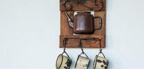 Kanne und Tassen