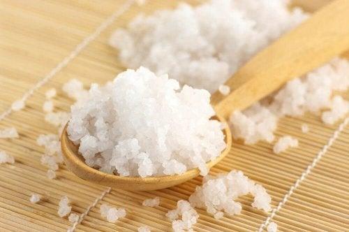 Weißes Mineralsalz