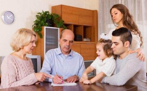 Umgang mit Geld innerhalb der Familie lernen