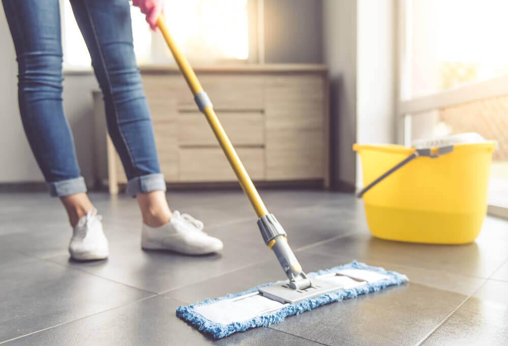 7 nützliche Tipps zur Reinigung von Fliesenböden