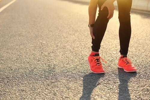 Muskelkrämpfe lindern indem du auf Zehenspitzen gehst