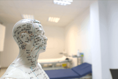 Ohrakupunktur bei Parkinson-Erkrankung