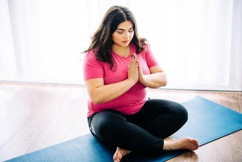 10 Gründe, warum Yoga für Übergewichtige ideal ist