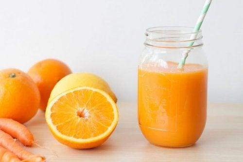 Trinke Fruchtsäfte für einen normalen Hämoglobinwert