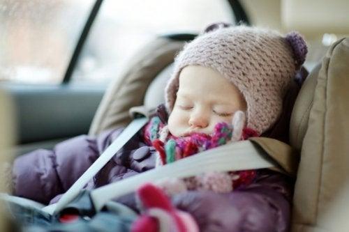 Warum schlafen Babys im Autositz schnell ein?