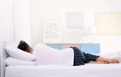 Seitliche Schlafposition