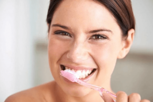Zahnbürste öfter reinigen