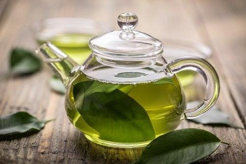 grüner Tee zur Behandlung von Gastritis