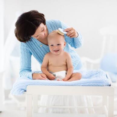 Haarpflege für Babys: 5 Tipps