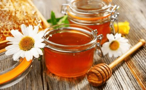 Wie kann man Zucker in Lebensmitteln ersetzen? Honig