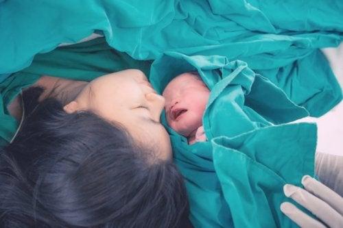 natürliche Geburt eines Babys