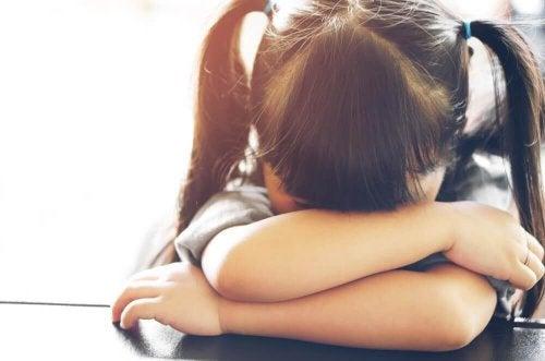 Schulmüdigkeit: wie du deinem Kind helfen kannst