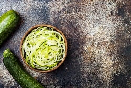 Spaghetti aus Zucchini