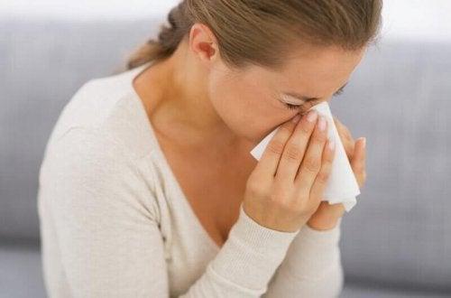 saisonale Allergie - Naseputzen
