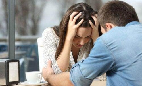 Mein(e) Ex hasst mich, weil die Trennung noch zu frisch ist