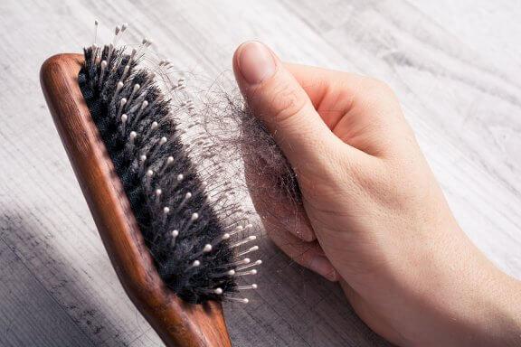 7 Ratschläge, was bei Haarausfall zu tun ist