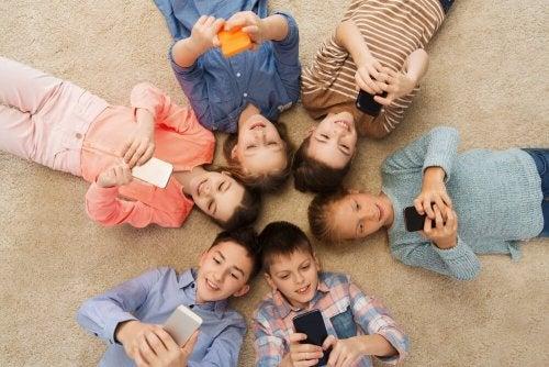 Vor- und Nachteile der Handynutzung unserer Kinder