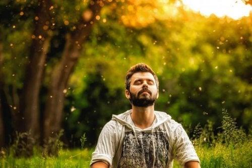 Achtsamkeit hilft dir, dich auf den gegenwärtigen Moment zu konzentrieren