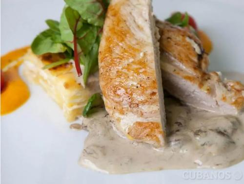 Probiere dieses Rezept: Hähnchen in Käsesoße