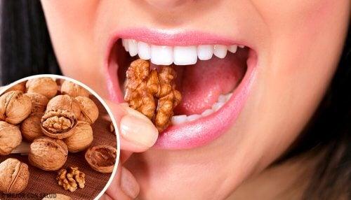 Gesunde Snacks und Nüsse