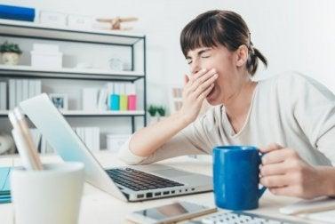 Schlafstörungen und Müdigkeit durch Lärmbelästigung