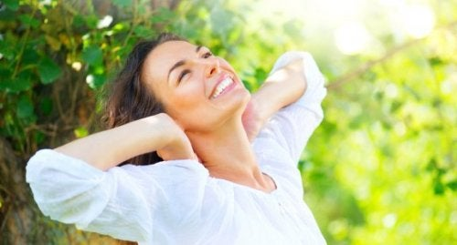 5 Naturmittel, um malträtiertes Haar zu pflegen