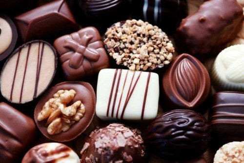 Verschiedene Sorten an Schokolade, die Säurereflux auslösen.