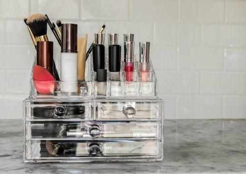 Selbstgemachte Kosmetik-Organizer