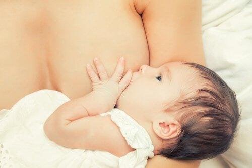 bei Babykoliken - Stillen