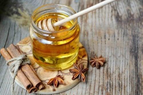 Honig wirkt mild abführend