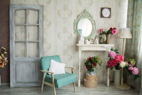 Vier einfache und dekorative Kunsthandwerke